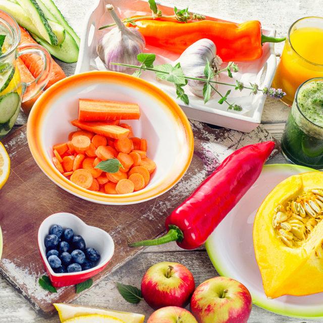 Allergien, Ernährung, Ernährungsform, Gemüse, Gesund, gesunde Ernährung, Gesundes Essen, Gesundheit, Glutenfrei, Laktosefrei, Lebensmittel, Nahrunsmittelunverträglichkeiten, Paleo, Paleo – Was genau steckt hinter der Ernährungsform?, schöne Haare, schöne Haut