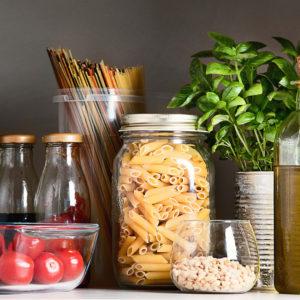 Lebensmittel richtig lagern - 10 Tipps damit dein Essen länger frisch bleibt, Lebensmittel, Aufbewahrung, Lagerung Lebensmittel, Kartoffeln, Bananen, Äpfel, Öl, Honig, Avocado, Südfrüchte, Fleisch, Fisch