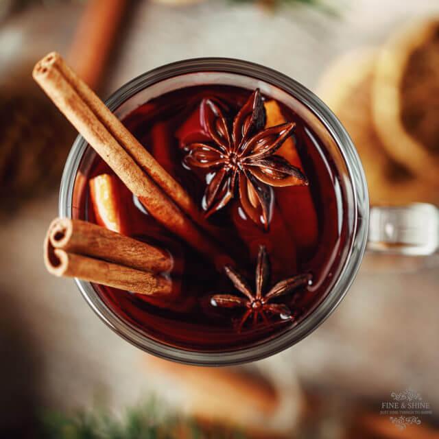 Adventszeit, Glühwein, Glühwein selber machen, Glühwein selbst gemacht, Glutenfrei, Laktosefrei, Mulled Wine, Paleo, Selbstgemachter Glühwein, vegan, Vegetarisch, Vin chaud, Weihnachtsmarkt, Weihnachtszeit,