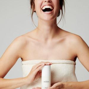 Deodorant, FRESH deodorant, Frischekosmetik, Naturkosmetik, natürliche Inhaltsstoffe, ohne Aluminium, Ringana, Ringana FRESH deodorant, Schweissgeruch, Wirksamkeit,