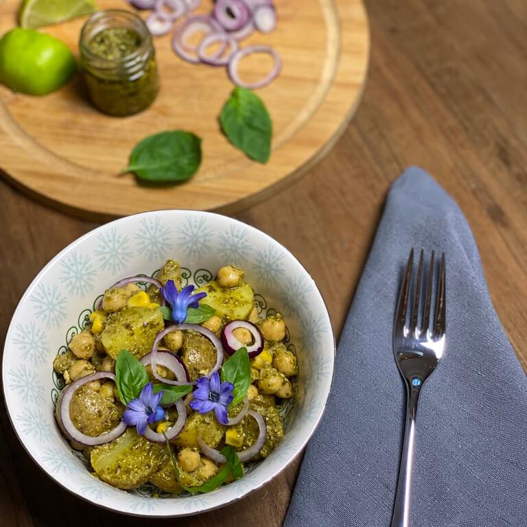 Italienischer Kartoffelsalat mit Pesto